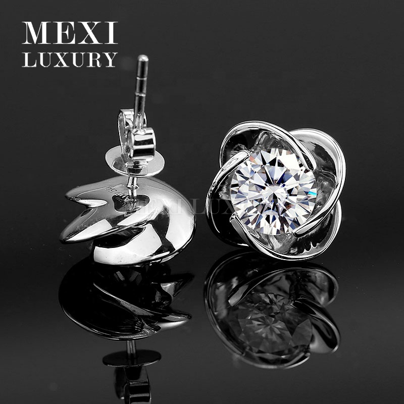 flower shape 18k white gold moissanite diamond stud earring