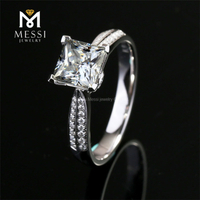 moissanite diamond ring 18k gold 1 carat D white color VVS princess cut